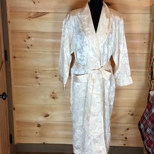 Victoria's Secret long satin robe M/L Like new